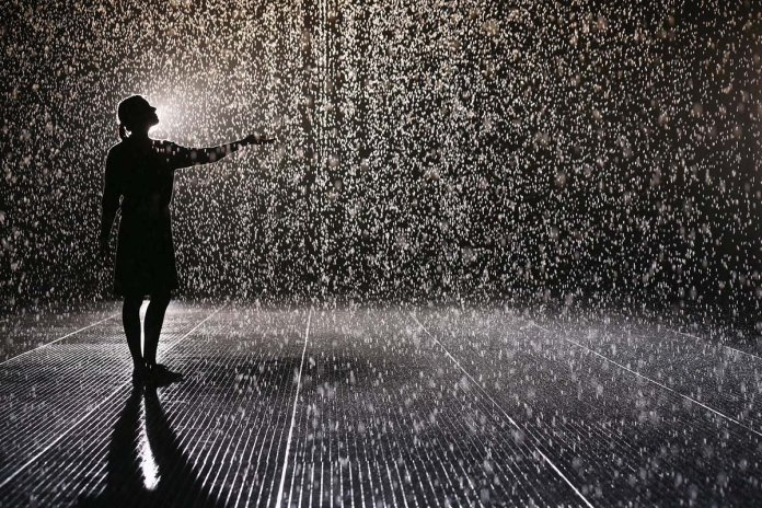 wallpaper-raining-woman-weather