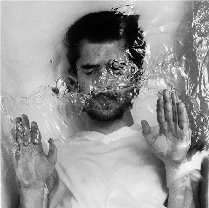 Drowning-by-Alban-Grosdidier-yatzer-20